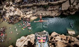 Red-Bull-Cliff-Dive